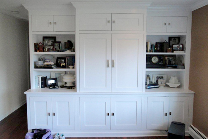 TV Cabinet with Shaker-style Doors